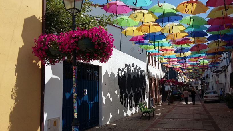 Umbrella Sky Project streetview, Agueda
